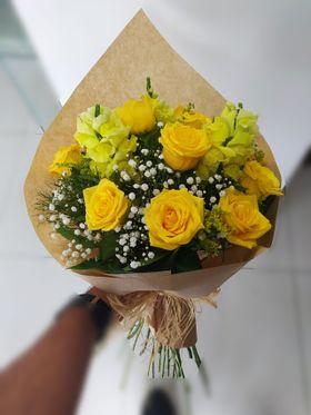 thumb-sol-da-manha-buque-com-12-rosas-amarelas-0