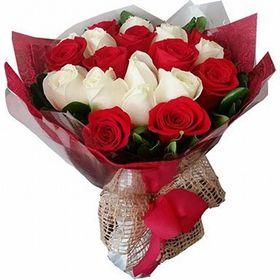 Buquê 22 Rosas - Vermelho com branco