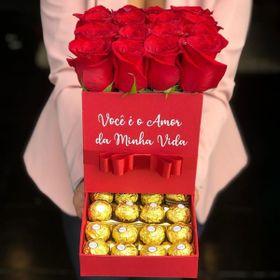 Box Quadrado com rosas e chocolate