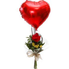 Botão de Rosa com balão de coração