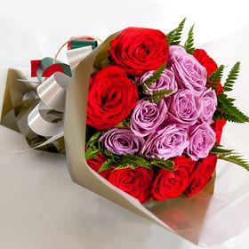 Buque de 16 rosas de duas cores