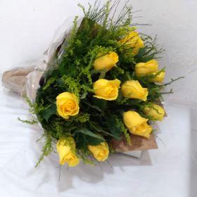 Buquê 12 Rosas Amarelas
