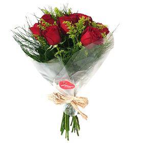 Buquê 10 Rosas no celofane