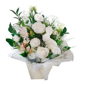 Arranjo de Flores Brancas