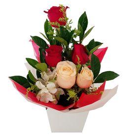 Arranjo com 5 Rosas