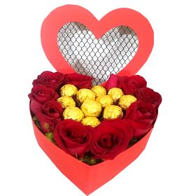 thumb-coracao-de-rosas-vermelhas-e-chocolates-0