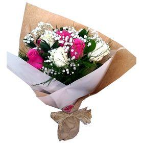 Buquê de Rosas brancas e cor de rosa