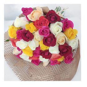 Buquê 30 rosas coloridas  luxo