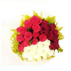 Buquê  com 36 Rosas em 3 tons