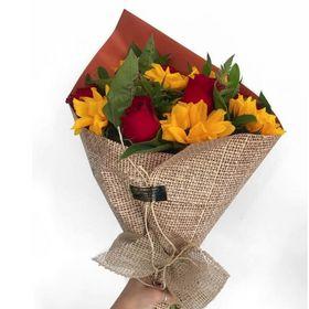 Buquê Rústico com 6 Rosas e 6 Girassóis