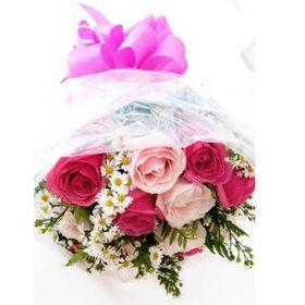 Buquê 12 Rosas com aster em tons cor de rosa