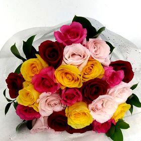 Buquê com 24 Rosas coloridas