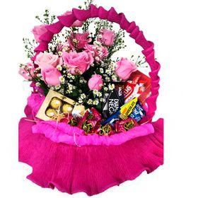 Cesta com Chocolates e Rosas