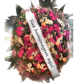Coroa De Flores Do Campo E Rosas Em Cores Mistas