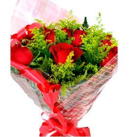 buquê 6 rosas com Tango