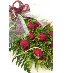 Buquê 12 Rosas Vermelhas estilo Europeu