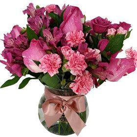 Rosas, Astromelias e Mini Rosas no vaso de vidro