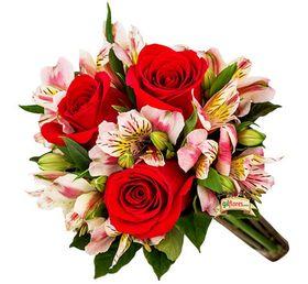 Buque Especial de 03 Rosas vermelhas IMPORTADAS com Astromelias
