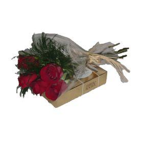 Ramalhete c/ 5  rosas e Ferrero Rocher