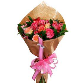 Buquê 30 Hastes - 16 Rosas e 14 astromelias tons de rosa
