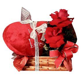 Baú  de vime, com arranjo de rosa especial