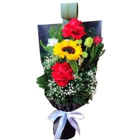 Ramalhete Girassol e 2 Rosas