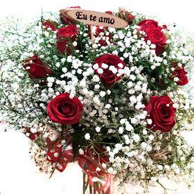 Buquê 16 Rosas Vermelhas com  gyphisofila + plaquinha