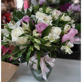 thumb-vaso-com-12-rosas-na-cor-rosa-claro-e-branco-1