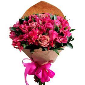 Buquê 24 rosas na cor rosa escuro