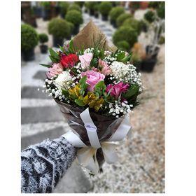 thumb-buque-com-06-rosas-e-flores-mistas-1
